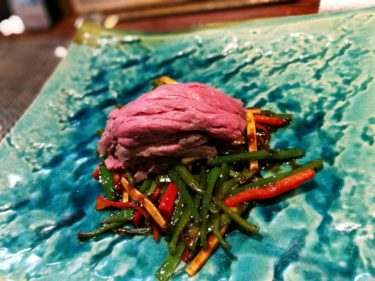 大阪屈指の人気中華『酒中花 空心』の「上州和牛イチボの青椒牛肉絲」が最高すぎた